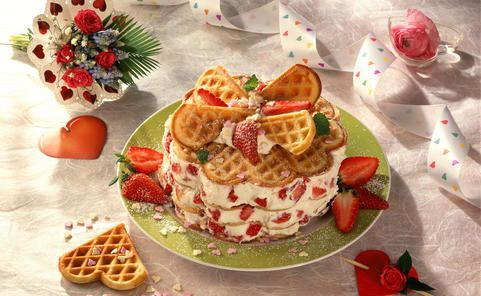 Recipe for Buttermilk waffle tower with strawberries and cream