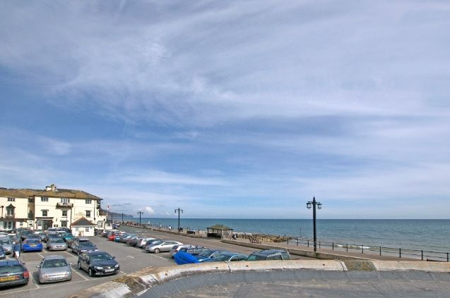 Marnies View Sidmouth Seafront Devon Sleeps 4- 2 bedrooms no pets  http://www.milkberehols.com/index.php?property=MAR
