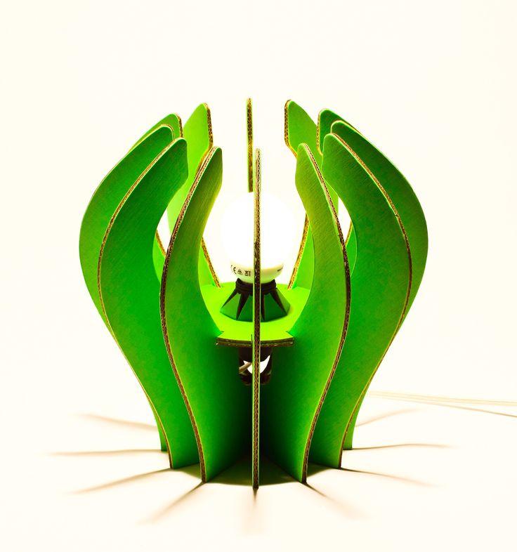 Kiwi lampada in cartone colore verde  Eco lampada in cartone rivestito e rinforzato VERDE Only by www.maketank.it
