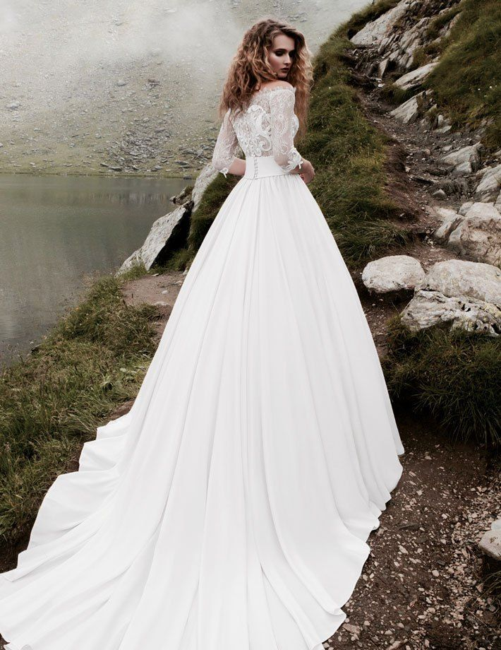 diane Νυφικα 2017#ρομαντικα νυφικα#νυφικα με εντυπωσιακη πλατη#γοργονε νυφικα#νυφικα με δαντέλα#νυφικα αερινα#νυφικα σε ίσια γραμμή# www.istoriesgamou.gr
