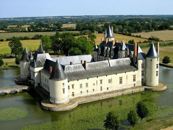 ✅ Château du Plessis-Bourré (49)
