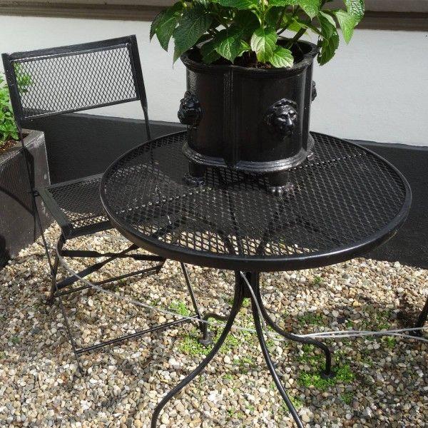 Zwarte bistro tafel en stoel