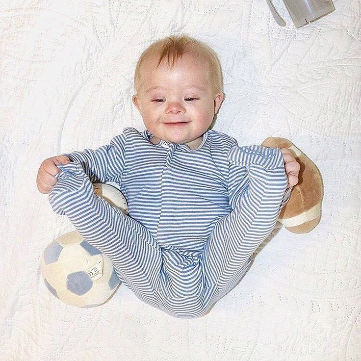 October is Down Syndrome Awareness Month and we have teamed up with little Baylor here to celebrate! Jump over to his page @betterwithbaylor for a chance to win these organic cotton Zip Footies and the Organic Sports Ball Set! Here are some facts about Down Syndrome: #1- Down Syndrome is the most commonly occurring chromosomal condition. One in every 691 babies born in the US is born with Down Syndrome. That's about 6000 each year. #2- The average life expectancy of a person with Down…