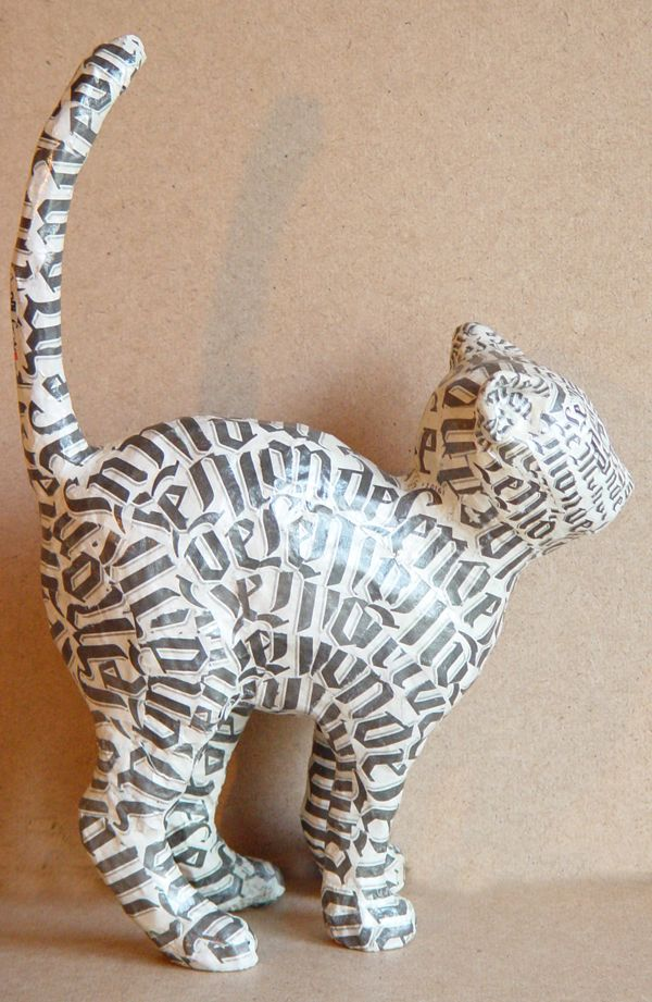 Gato en papel maché