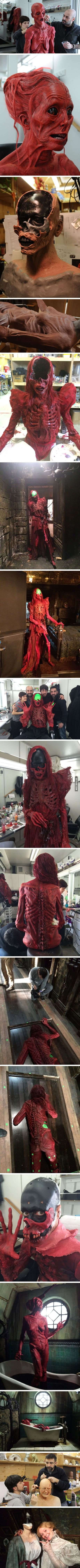 In Guillermo del Toros Crimson Peak, the ghosts were actors in full makeup, enhanced by CGI (not other way around)