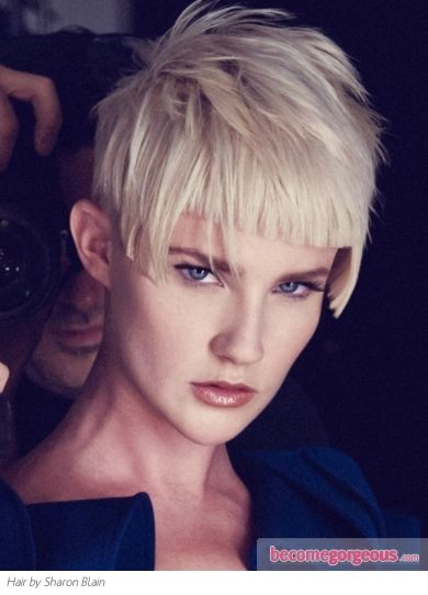 Go Glam With This Voguish Short Choppy Haircut Complement