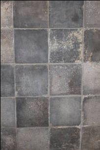 Oude blauw grijze plavuizen, gesmoorde estrikken   't Achterhuis Historische Bouwmaterialen http://www.achterhuis.nl/site/producten/detail/Oude%20gesmoorde%20blauw-grijze%20plavuizen.20071544.html