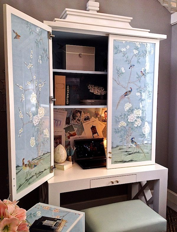 The chinoiserie chic of Corbett Wright furniture at Rooms with a View 2013 via QuintessenceCorbett Wright, Furniture Makeovers, Tights Shots, Wright Furniture, De Gournay, View 2013, Cities Living, Chinoiserie Chic, Home Offices
