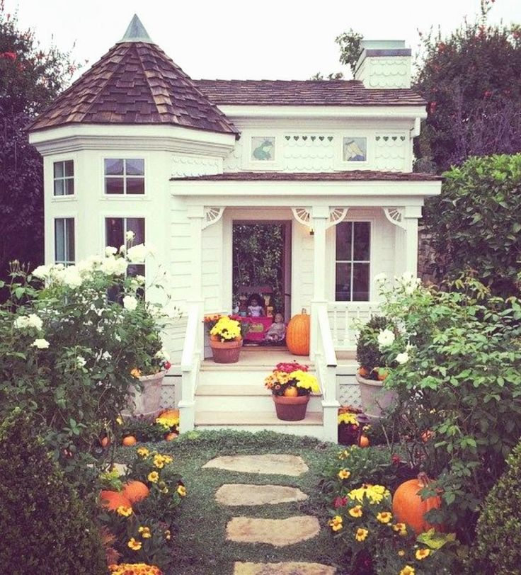 halloween entry and porch: cdm home tour. Cute Small HousesTiny ...