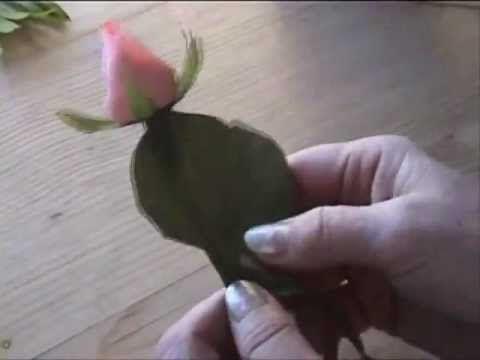 Fiori di carta crespa - Crepe paper flowers: Bocciolo di Rosa // Rosebud - YouTube