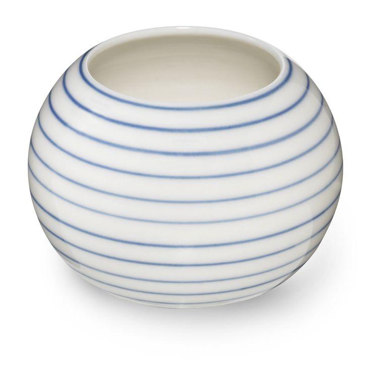 Anne Black Stripes sukkerskål. Tinga Tango Designbutik i Nyborg på Fyn. #porcelæn#porcelain#skål#interiør#designbutik#sukkerskål#stripes#anneblack