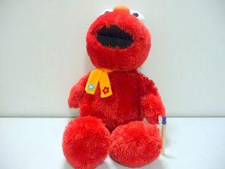 Boneka Elmo Besar Lucu. ELmo syal jumbo tinggi boneka hampir satu meter.Bahan rasfur halus. Info dan order silakan di 087751751977 atau PIN BB 276FF2C1 Jangan lupa capture gambarnya ya