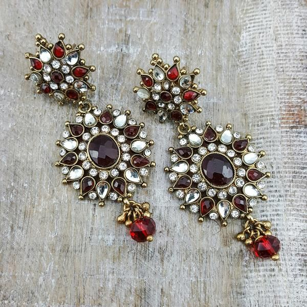 Jasvita - Dress up your ears with these elegant antique gold earrings. They're filled with clear cubic zirconium and ruby stone details all over to step up your outfit!