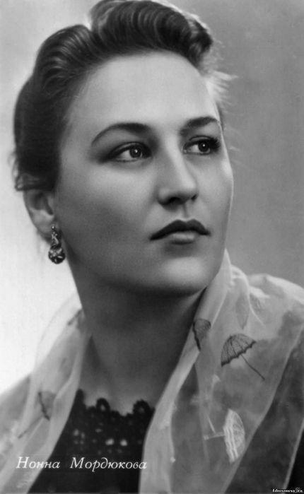 Нонна Мордюкова.