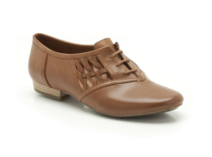 Womens Clark Beige Patent Leather Shoe