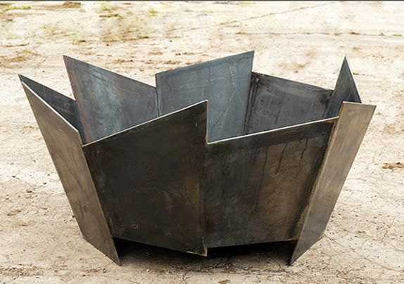 Crackle fire pit in 5mm steel. This striking fire pit will be the focal point of any garden party. This modern fire pit will last a lifetime.
