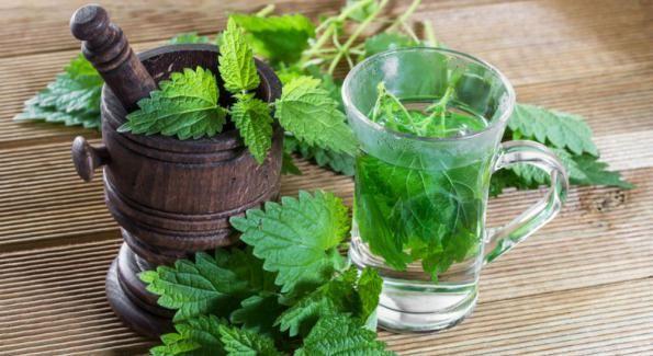 7 tisanes maison pour réduire l'acidité du corps