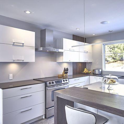armoires de cuisine en thermoplastique avec panneau decoratif en melamine