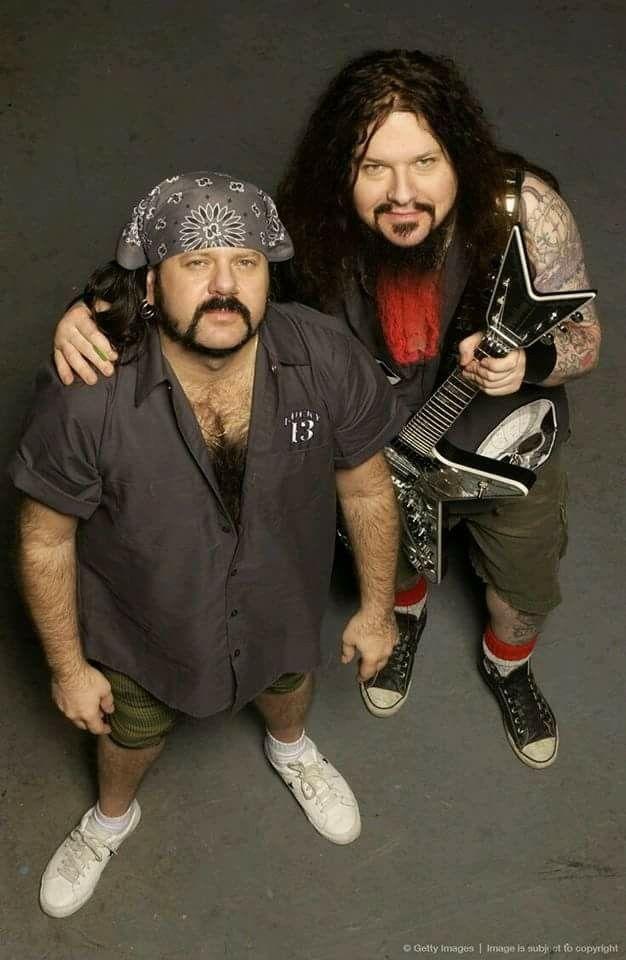 Vinnie Paul and Dimebag Darrell........ Dimebag darrell