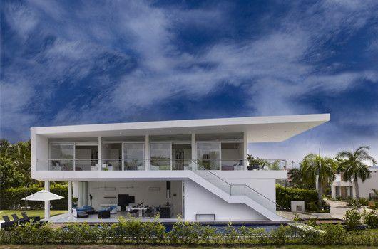 Casa GM1 - GIRARDOT by Giovanni Moreno Arquitectos