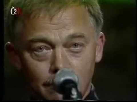 Karel Kryl Děkuji (koncert v lucerně) - YouTube