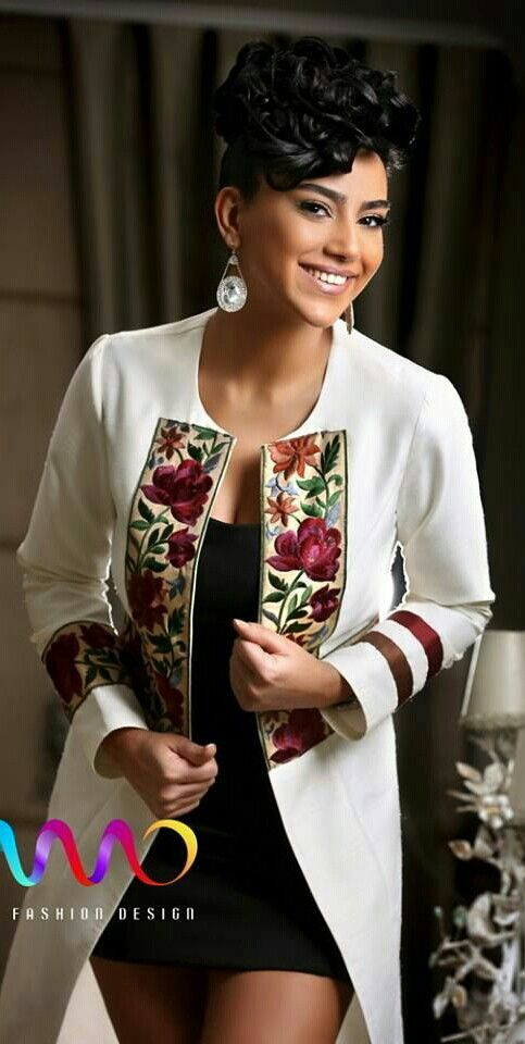 #AfriPrintFashion: Jacket emblemished with lace african