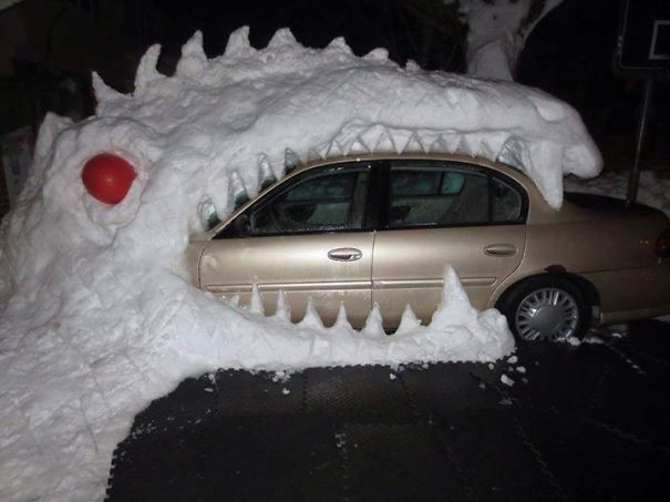 Some people really mastered the art of snow