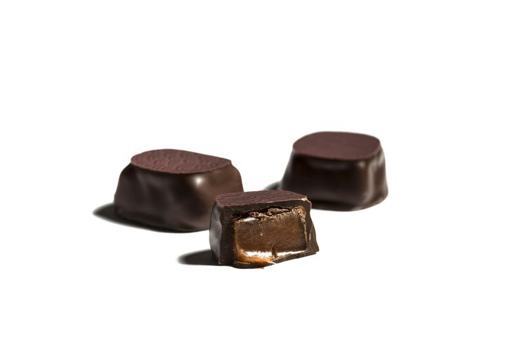 New release chocolate for Valentine's Day 2016. Dark Raspberry Caramel featuring a soft chewy centre with raspberry puree, it is enrobed in dark chocolate and finished with a subtle decoration.