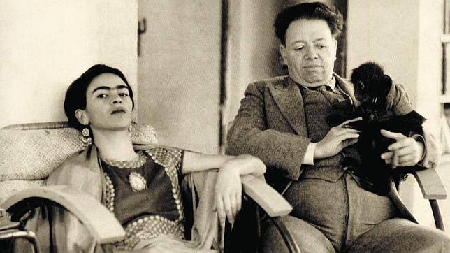 """""""A veces prefiero hablar con obreros y albañiles que con esa gente estúpida que se hace llamar gente culta""""  Frida Kahlo"""