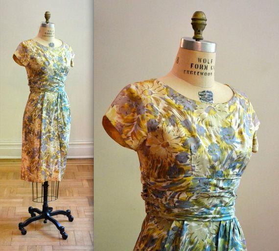 Vintage 50s Floral Print Dress Size Medium by Hookedonhoney
