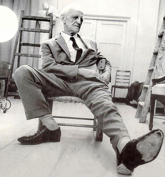 donald winnicott http://thephilosophersmail.com/perspective/the-great-psychoanalysts-donald-winnicott/