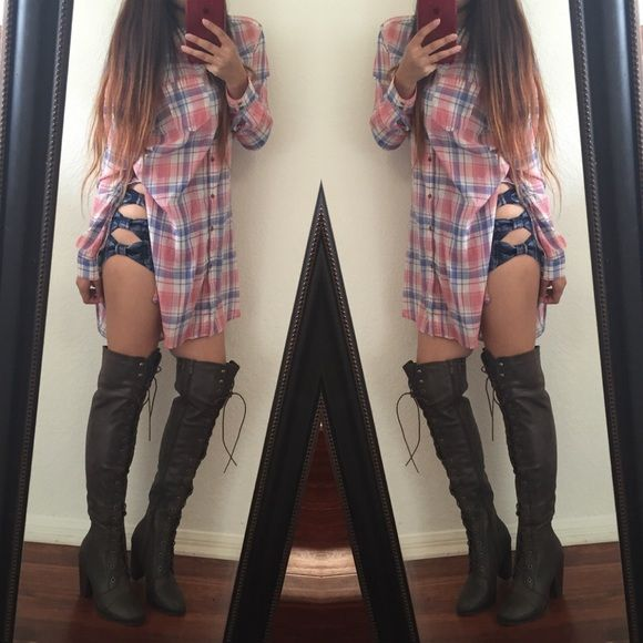 Thigh high combat boots Color: Brown. Sizes available: 6.5(4), 7(❌), 8.5(❌). Check listings for availability!  Shoes Over the Knee Boots