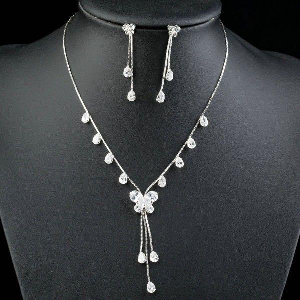 set bijuterii mireasa elegant placat cu aur alb http://www.bijuteriifrumoase.ro/cumpara/cercei-si-colier-mireasa-placat-cu-aur-alb-401