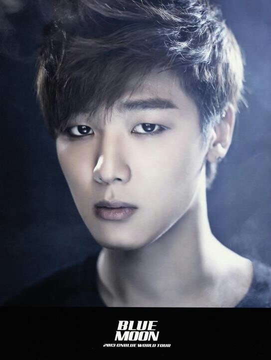 Kang Minhyuk 강민혁 from CN Blue 씨엔블루 was born June 28, 1991 and plays the drums. He is also an actor.
