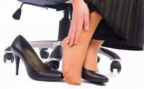 ΥΓΕΙΑΣ ΔΡΟΜΟΙ: Προβλήματα στα πόδια από παπούτσια: Αιτίες, σημεία...