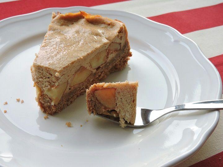Skořicový cheesecake s jablky