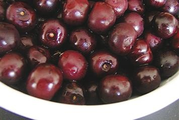 For an aperitif, try a glass of the famous Maraschino, a desert liqueur made from the autochthonous Maraska cherries.