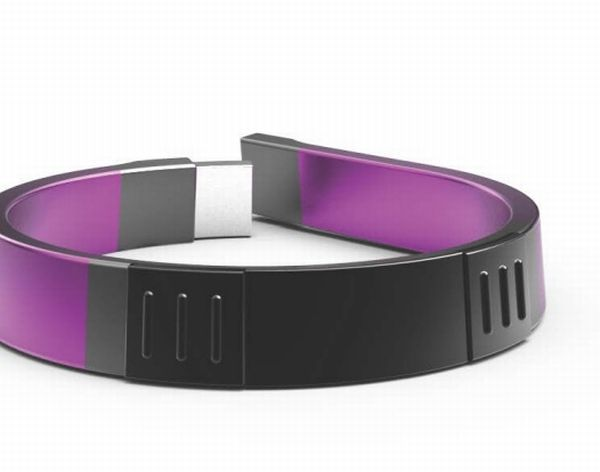 inTouch Bracelet takes blood sugar and glucose readings in a non intrusive way