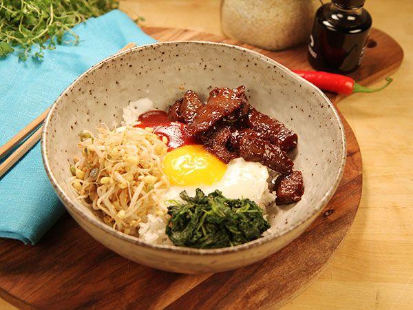Sesammarinerad rostbiff med ris och ägg | Recept från Köket.se