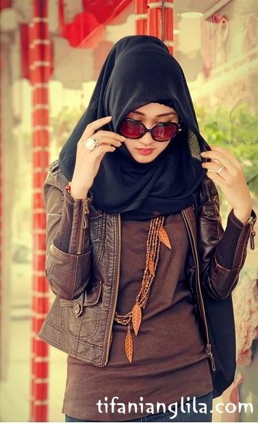 Hijab Style Inspiration , Dian Pelangi HC - Tifani Anglila