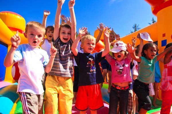 Découvrez le camping 5* Port de Plaisance dans le Finistère pour vos prochaines vacances en famille !  Plus d'infos : https://www.tohapi.fr/bretagne/camping-port-de-plaisance.php #tohapi #vacances #camping #enfants #activités #jeux #clubenfants #bretagne #benodet #portdeplaisance