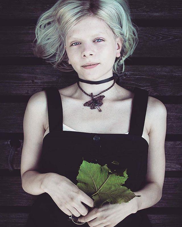 Nova foto de Aurora para a revista Toby'n @auroramusic #Aurora #Music #Dark…