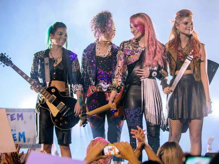 Jem and the Holograms Fails in a Way That I've Never Seen a Movie Fail Before, I was so excited to hear that they were making a Jem and the holograms movie and when I found out it was this shit I'm so disappointed in the life decisions of everyone that had a hand in creating this fuckery they want to call a movie