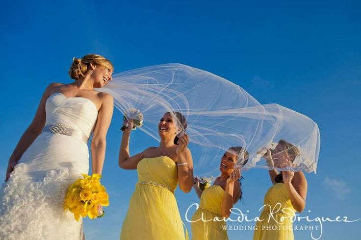 Claudia Rodriguez photography captures this wonderful moment - lovely yellow flower bouquet works perfectly here #lizmooreweddings #lizmooreweddingsmexico #lizmoorweddingsbrides #lizmooreweddingsflowers