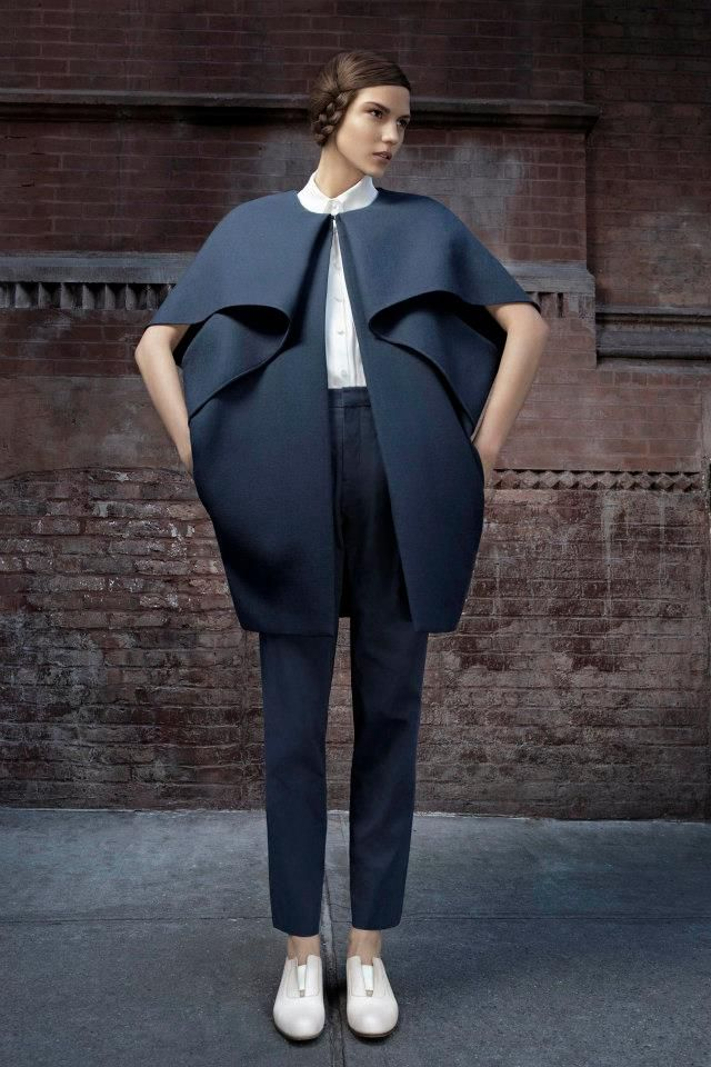 Sculptural Fashion - modern tailoring with sculptural layers & folds - shape, structure & symmetry // Tia Cibani