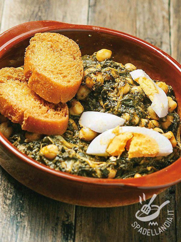 La ricetta dei Ceci e spinaci alla sivigliana è semplice e genuina, a base di ingredienti salutari e di stagione: ceci, spinaci, uova, pane raffermo...