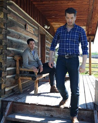 Listen, we all know that both Jonathan and Drew Scott, the extremely successful stars of Property Brothers, are hunks. | Which Of The Two Property Brothers Is The Hottest
