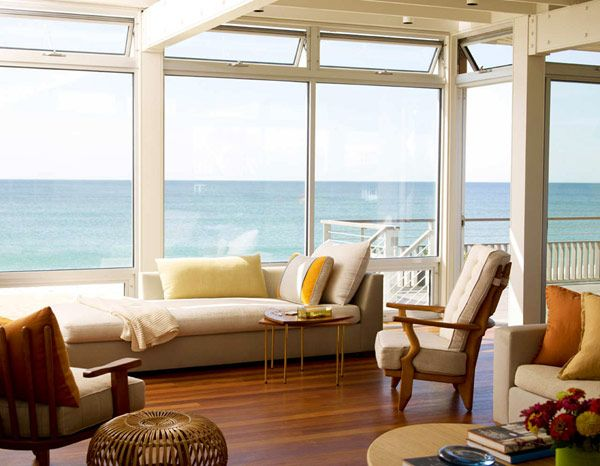 Low-Maintanance and Energy Efficient Surfside Residence by Stelle Architects
