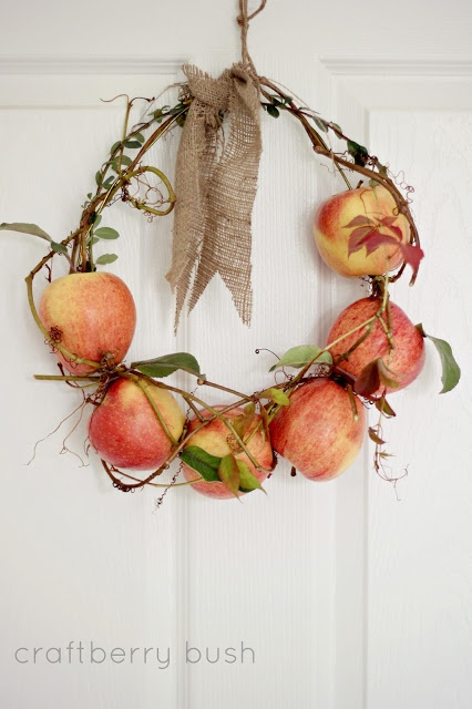 Fresh apple wreath.
