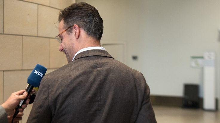 Am Dienstag hatte AfD-Partei- und Fraktionschef in Nordrhein-Westfalen, Marcus Pretzell, die Niederlegung seiner Ämter und den Austritt verkündet. Er folgte damit seiner Ehefrau Frauke Petry, die Noch-Vorsitzende der AfD. Pretzell deutete nun die Gründung einer neuen Partei an.